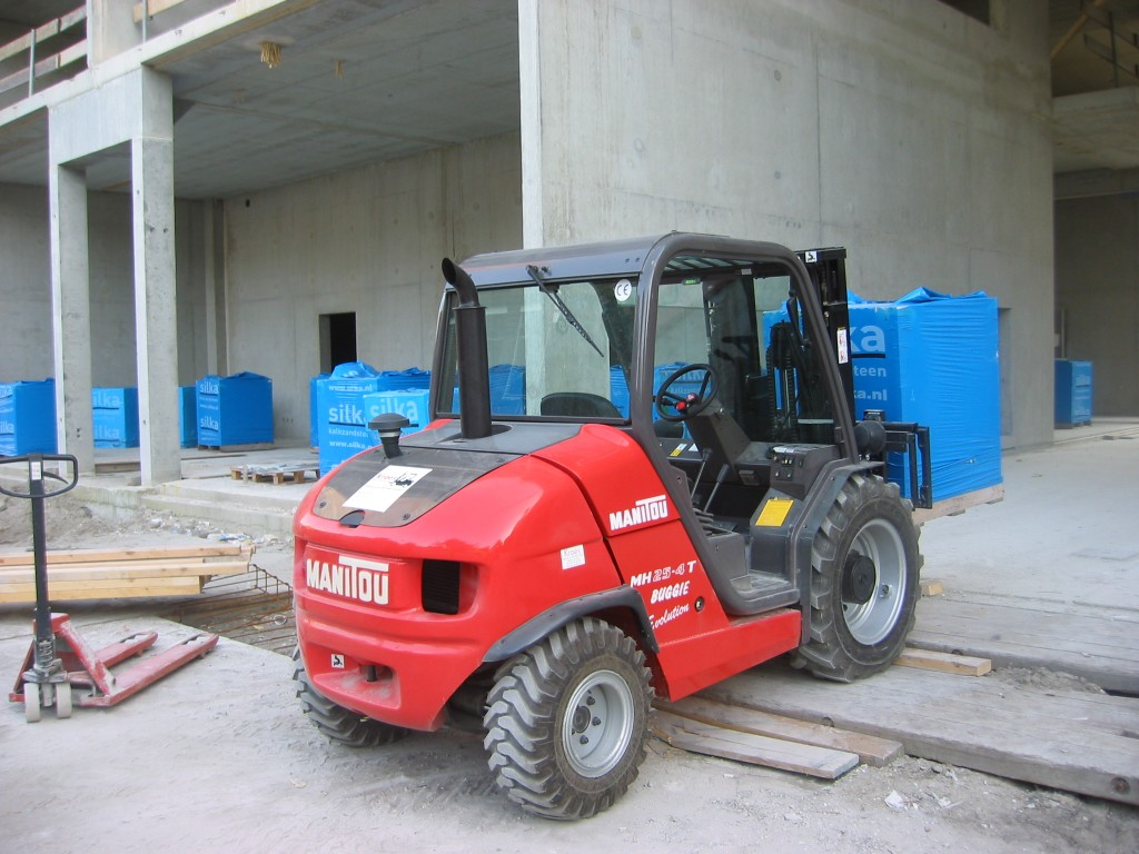 Manitou 4RM 20 HP (Buggie)